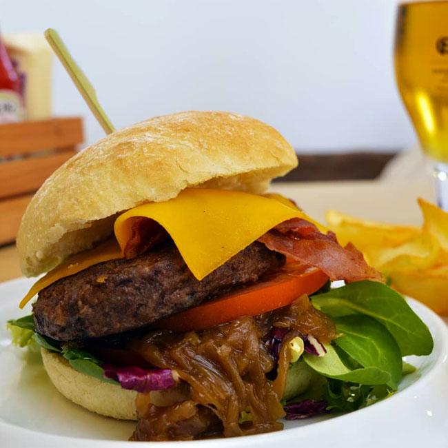 Burger Fusión Born